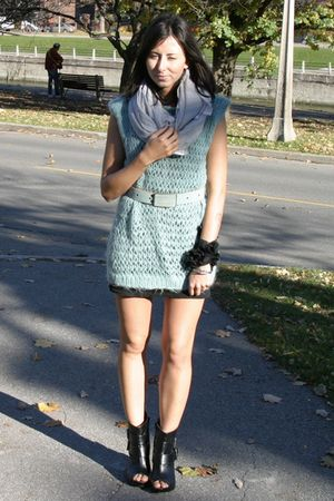 vintage sweater - vintage scarf - black H&M dress - Spring shoes - DIY bracelet