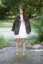 army green camo vintage jacket - white lace Zara skirt