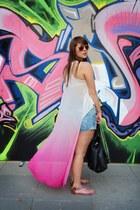 hot pink H&M top - light blue denim g-star vintage shorts