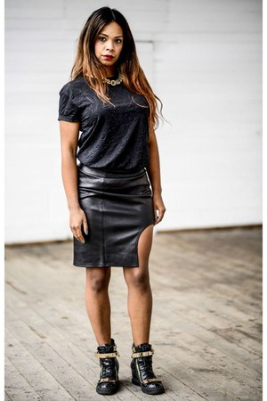 black StaffbyMaff skirt - black Atmosphere t-shirt