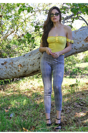 yellow UrbanOG bodysuit - heather gray UrbanOG leggings