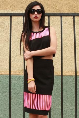 black UrbanOG sunglasses - black UrbanOG skirt - black UrbanOG top
