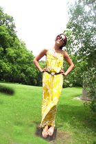 Sonia vintage belt - Diane Von Furstenberg dress - Chloe sunglasses - Tkees shoe