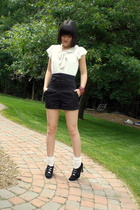 H&M blouse - Forever21 shorts - Salvation Army shoes