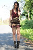 brick red Zara skirt - dark khaki Boüret belt