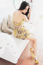 mustard Menbur heels - yellow Boret dress