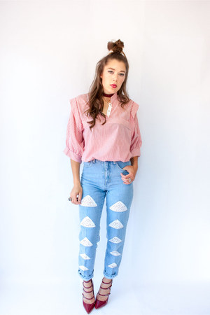 red striped crop Viral Threads blouse - light blue vintage Candies jeans