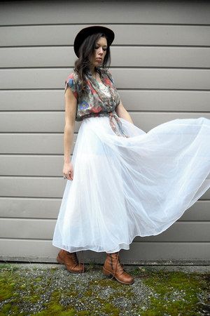 white vintage dress - brown doc martens boots - Viral Threads Vintage blouse
