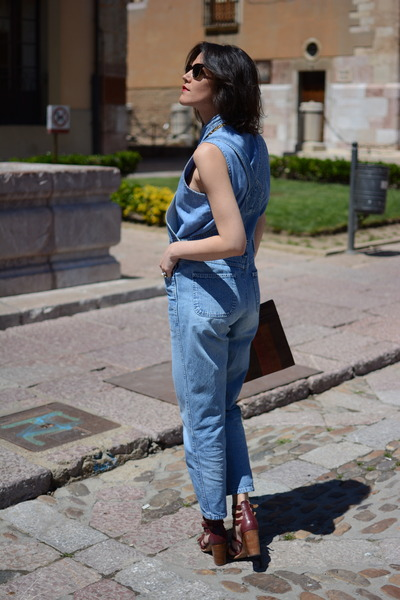 sky blue virvin vintage jeans - sky blue virvin vintage shirt