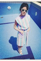 light blue vintage dress dress - white rayban sunglasses