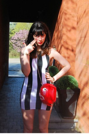 red piranha bag RODNIK BAND bag - black stripes Motel dress - white TUK wedges