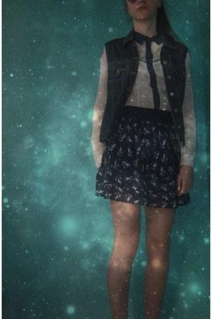 Stradivarius blouse - Bershka skirt
