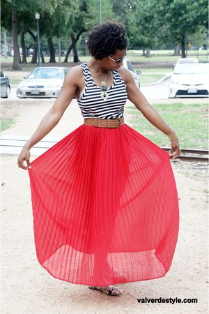 Forever21 skirt - LangfordMarket top - JustFab flats