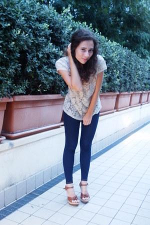Calzedonia leggings - neutral Zara t-shirt