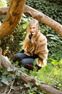 Vintage-fur-jacket-vintage-moschino-belt-lf-boutique-leggings-vintage-comm