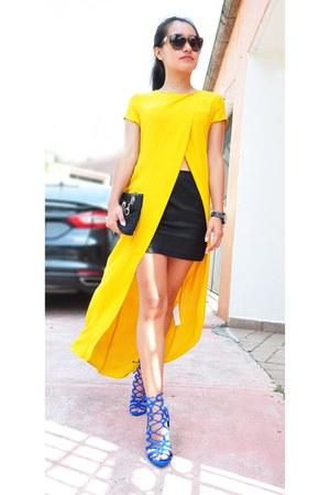 gold Zara t-shirt - blue Zara sandals