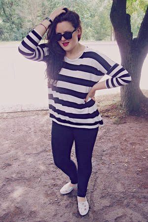white striped black blouse - white flowery sneakers - black pants
