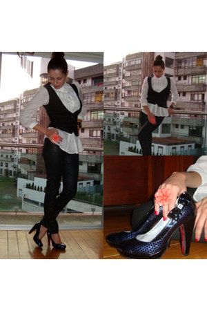 black shoes - black jeans - black jacket - white blouse - salmon ring