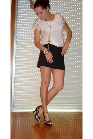 off white shoes - black saia bershka skirt - ivory renda blouse