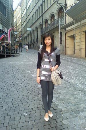 H&M blazer - H&M leggings - H&M shoes - Zara purse