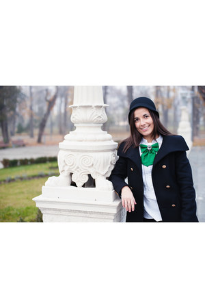 green bow tie Vania Szasz accessories - black wool Zara coat