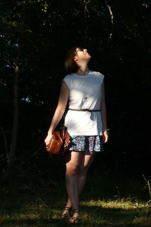 Topshop Boutique t-shirt - Topshop shorts - Zigi shoes - vintage bag
