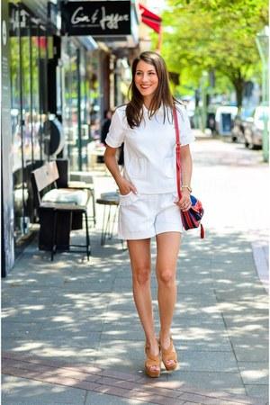 white cotton shorts shorts - brown shoes - red bag - white shirt t-shirt