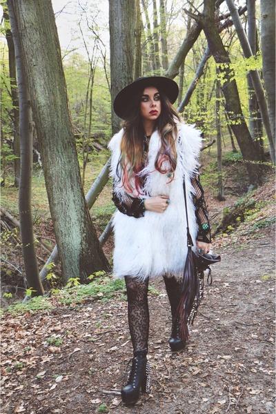 fur vintage vest - poppy Catarzi hat - DKNY pants