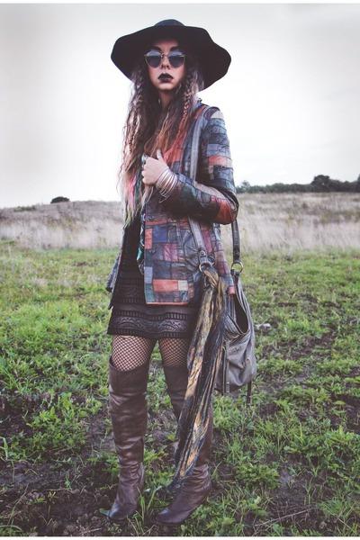 patchwork vintage jacket - light brown over-the-knee bronx boots