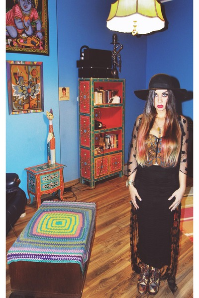 patchwork Jeffrey Campbell boots - Catarzi hat - River Island skirt