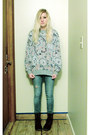 Navy-velvet-docs-boots-sky-blue-jeans-heather-gray-sweatshirt