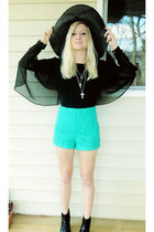 black top - black hat - turquoise blue lace shorts shorts - silver necklace