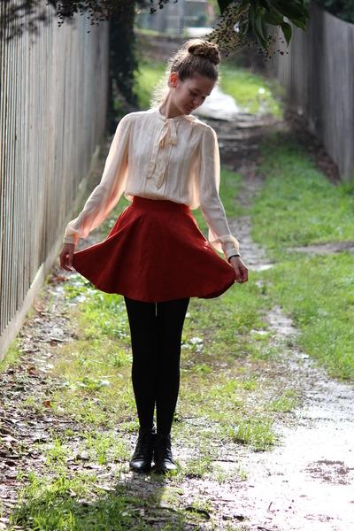 fake suede angel biba skirt - leather Sandler boots - Windsmoor shirt