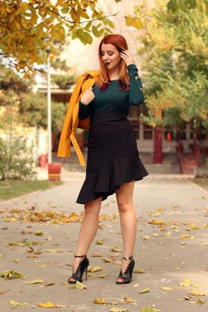 yellow Metisu jacket - green lookbookstore top - black Metisu skirt