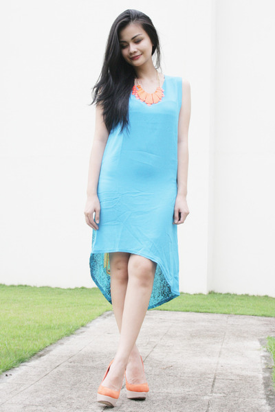 sky blue dress - shoes - orange necklace