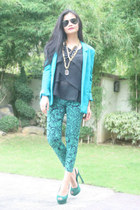 teal shoes - turquoise blue jeans - light blue blazer - black top - necklace
