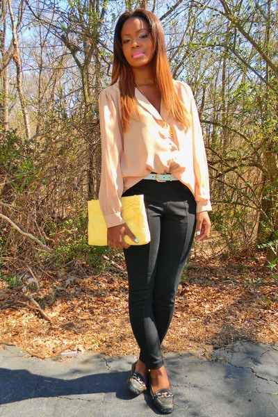 neutral vintage sheer blouse - black pant-like leggings