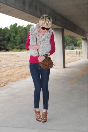 beige faux fur Bebe vest - blue Forever 21 jeans