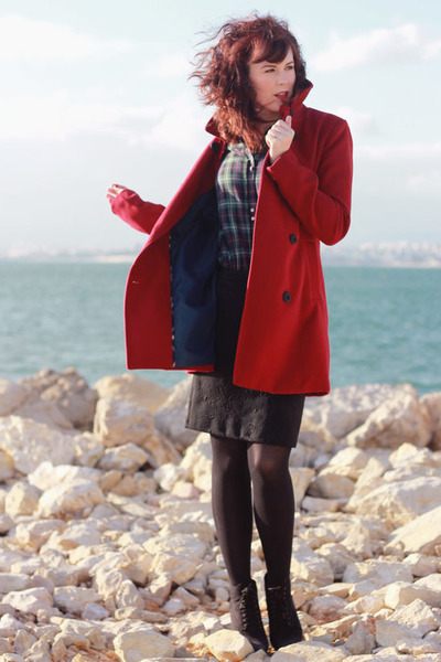 forest green Zara shirt - black pull&bear boots - ruby red Stradivarius coat