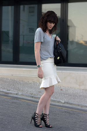 Zara boots - H&M bag - H&M t-shirt - Zara skirt