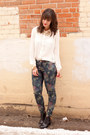 Navy-floral-print-zara-jeans-ivory-forever-21-blouse