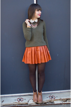 burnt orange leather Alice & Olivia skirt - camel Forever 21 boots