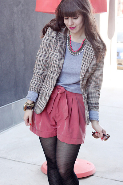 coral H&M shorts - heather gray TNA sweater - beige H&M blazer