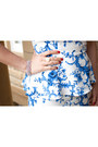 Blue-floral-print-forever-21-skirt-black-quilted-michael-kors-bag