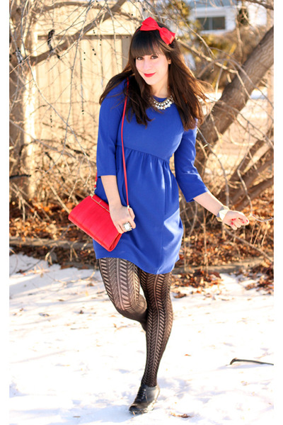 red vintage bag - blue Zara dress - red headband Forever 21 accessories