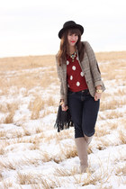 ruby red Forever 21 sweater - beige Feet First boots - beige H&M blazer