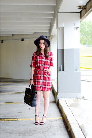 red plaid Boutique Onze coat - gray French Connection hat
