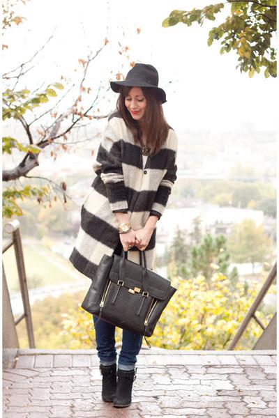 black plaid wool maison scotch coat - black suede shoemint boots