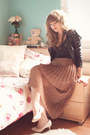 Light-brown-sheer-pleated-lookbook-store-skirt-black-h-m-intimate