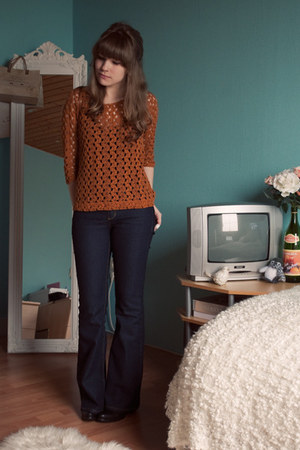 burnt orange crochet Pull & Bear top - black allsaints boots